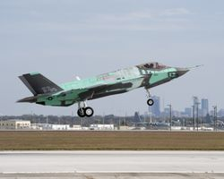 F-35 AF-1 first flight (skyline) 11-14-09